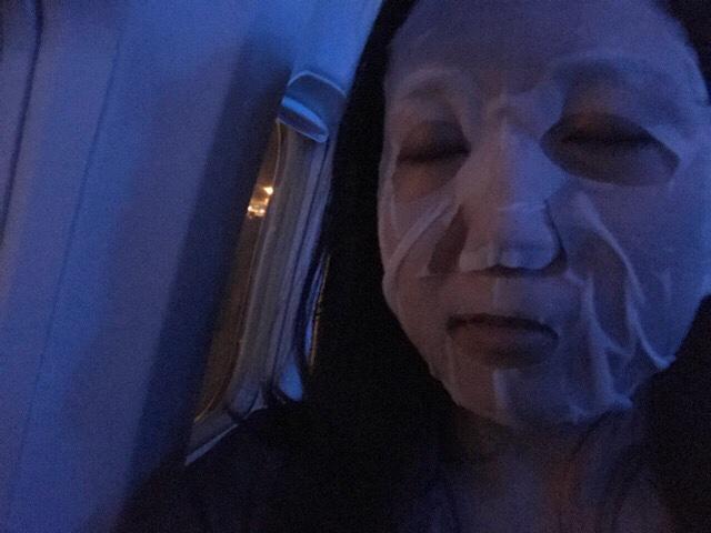 飛行機の乾燥対策には機内でシートマスクを装着するべし
