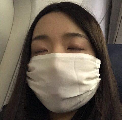 飛行機での「乾燥」&「日焼け」対策4つのポイント|マスクを付ける