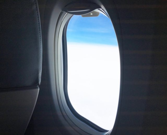 飛行機での「乾燥」&「日焼け」対策4つのポイント
