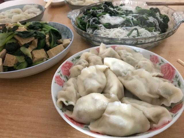 中国人男性あるある(マイナスポイント)|取り皿を使わない